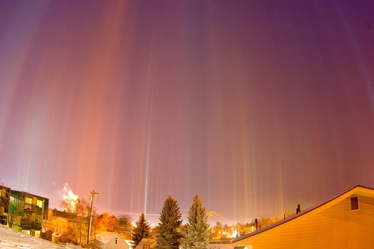 Light pillars over Moscow - 15 Things You Won't Believe Actually Exist In Nature