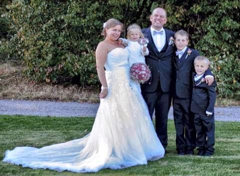eb157068 Bitteliten gifter seg: I avisen da gitt...