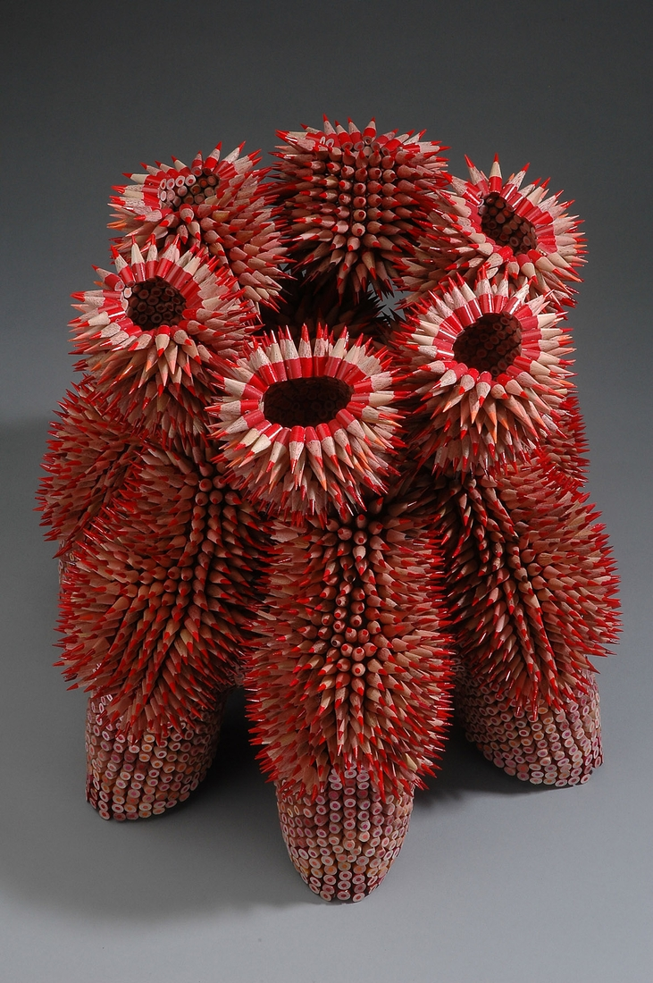 14-Stargazers-Jennifer-Maestre-Creature-Pencil-Sculptures-with-a-Peyote-Stitch-www-designstack-co