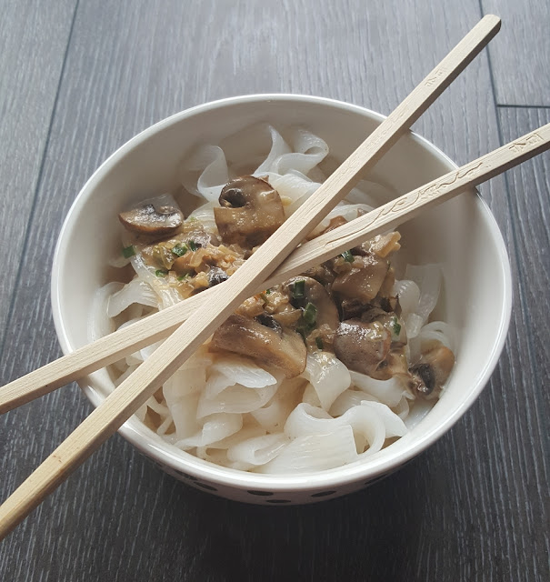 Nudeln mit Pilz-Sahne-Soße