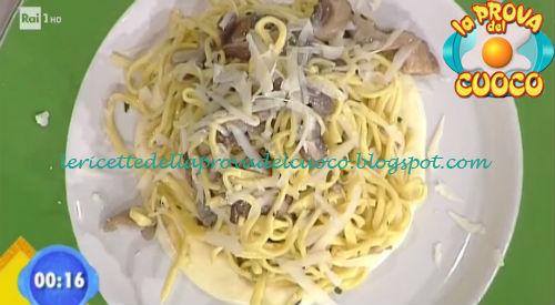 Tagliolini ai funghi con fonduta di formaggio di Malga ricetta Bertol da Prova del Cuoco