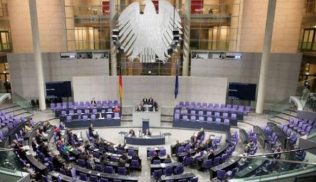 Προσφυγική θύελλα στη Βουλή της Γερμανίας!