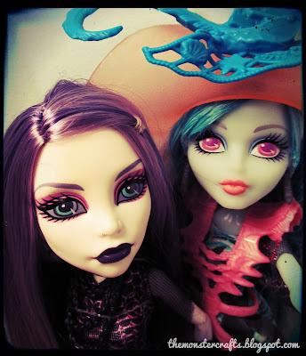 Spectra and Vandala doll selfie