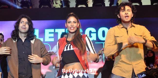 Nicole Faria, Nicole Faria & Rakul Preet Singh for Yaariyan Promotion at Spinnathon