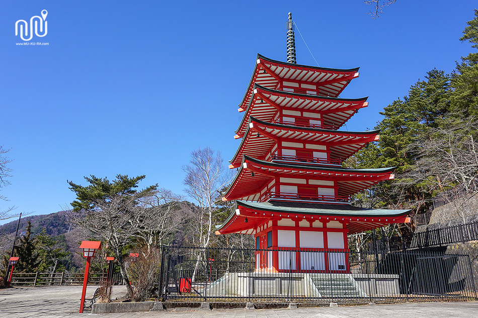เจดีย์แดง(Chureito Pagoda)