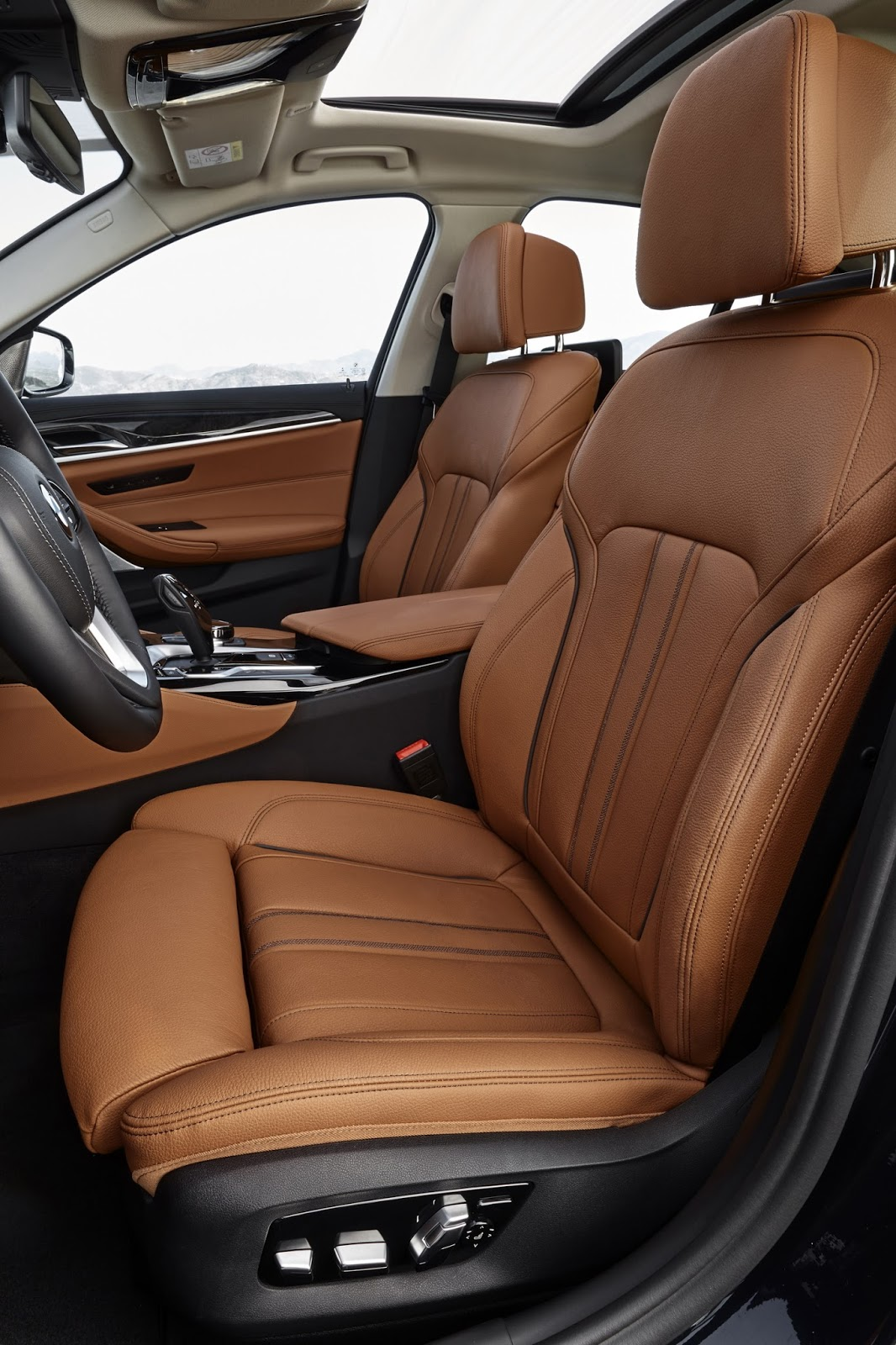 2017-BMW-5-Series-135.jpg