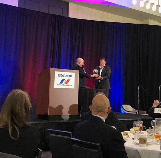 Mat Kaplan, Planetary Radio, presents Michael Watkins, JPL,  award for Voyager teams' 40 year success
