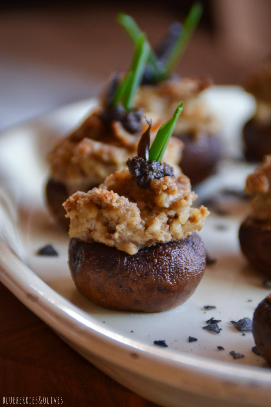 STUFFED MUSHROOMS WITH WALNUT TRUFFLE PÂTÉ (GF, DF, VEG)