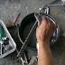 Cara Mengganti Oli Shockbreaker Motor