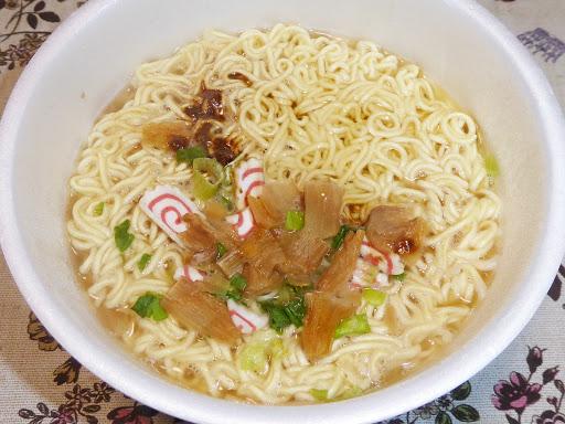 【サンポー食品】ばりよか 醤油豚骨ラーメン うまか軒