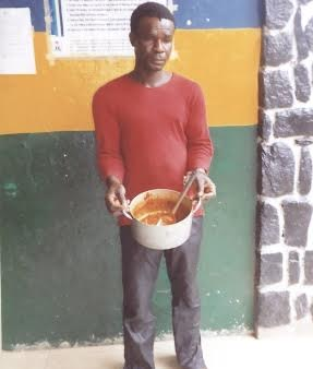 Man arrested for poisoning his neighbour's pot of soup in Lagos (see photo)