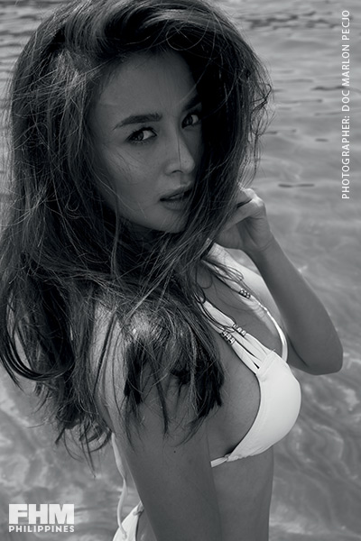 Kris Bernal white bikini at the beach