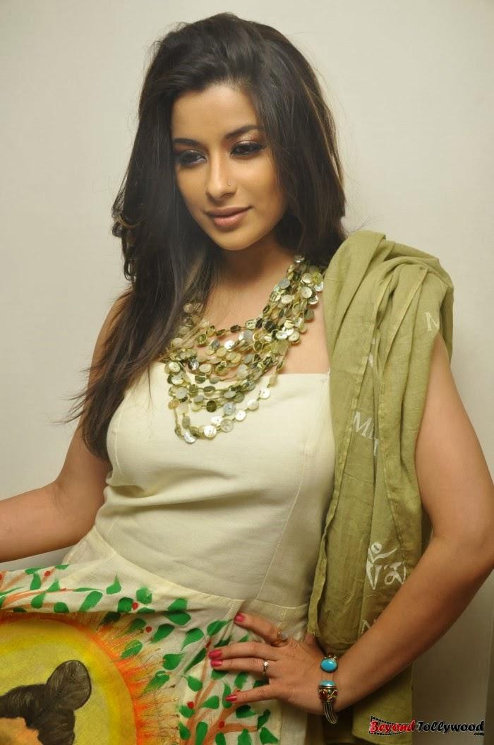 Masala song by actress rumana hasan megha - 4 5