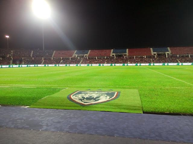Keadaan padang Stadium Larkin Johr Bharu yang sangat cantik