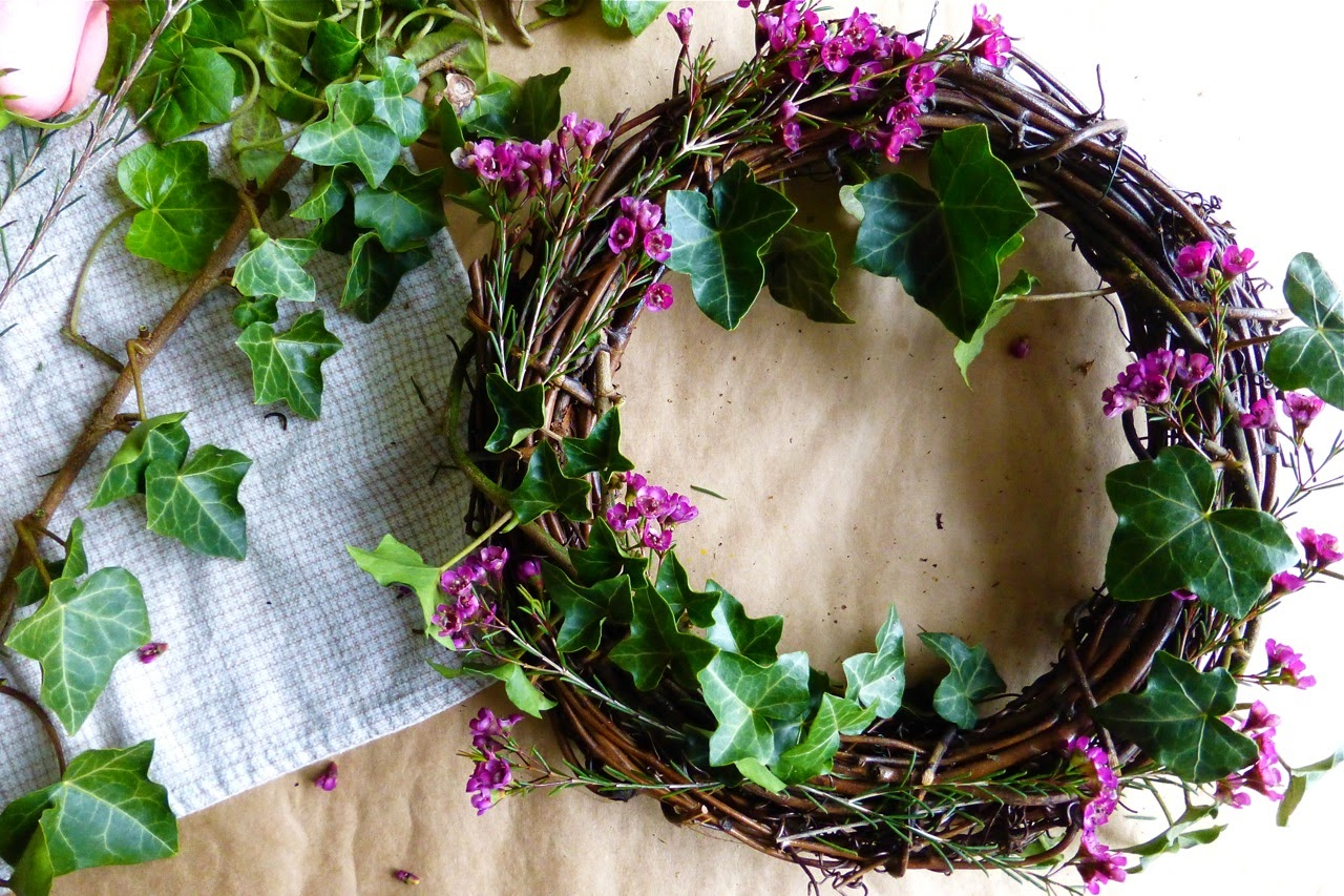 wreath, spring, flowers, fresh flower wreath, grapevine wreath, DIY flower wreath, ribbon, ivy wreath, American Crafts ribbon, homemade flower wreath