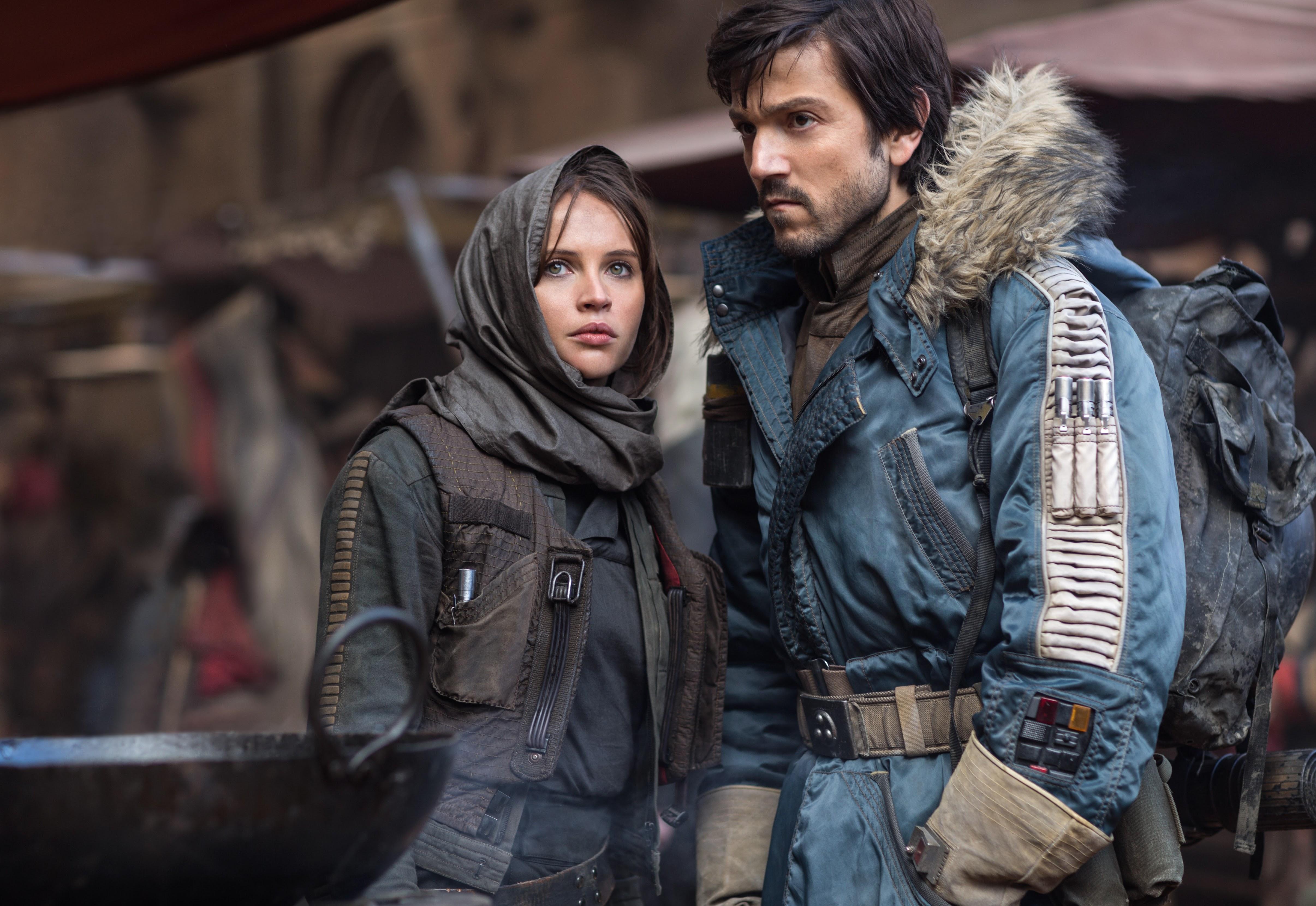 Rogue One Prequel Series: ディエゴ・ルナのカシアンが帰ってくる ! !、「ローグ・ワン」の前日譚を描く「スター・ウォーズ」の実写ドラマ・シリーズの製作を、ディズニーの配信サービス Disney+ が発表 ! !