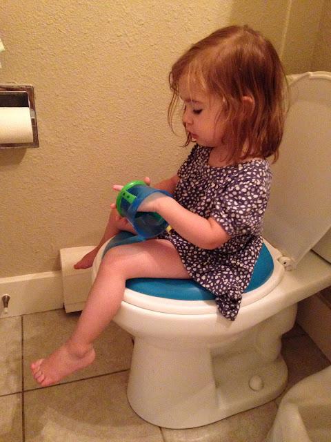 Voyeur ladies wc