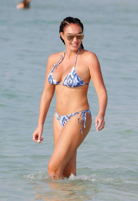 Tamara Ecclestone in Bikini on the beach in Dubai
