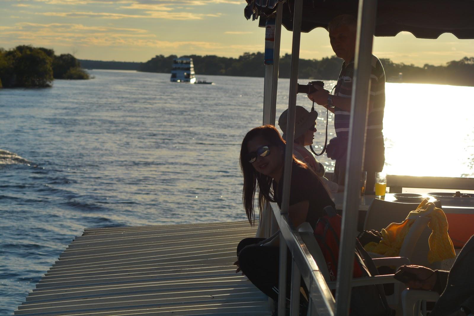 victoria falls zambezi river cruises