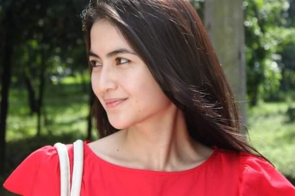 Profil dan Biodata Kadek Devi