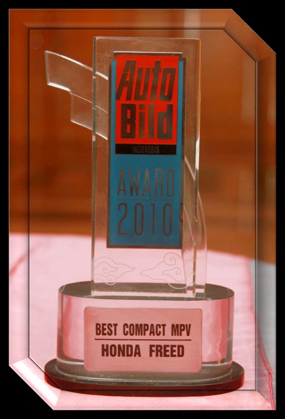 Best Compact MPV 2010 versi Autobild