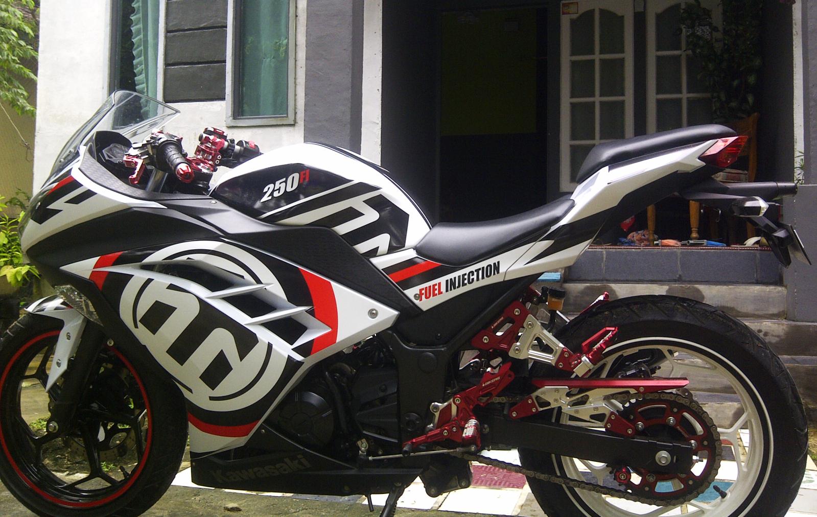Stiker Motor Ninja R Makassar