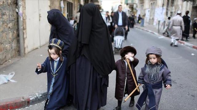 Rabinos ultraortodoxos prohíben a las mujeres ir a la universidad