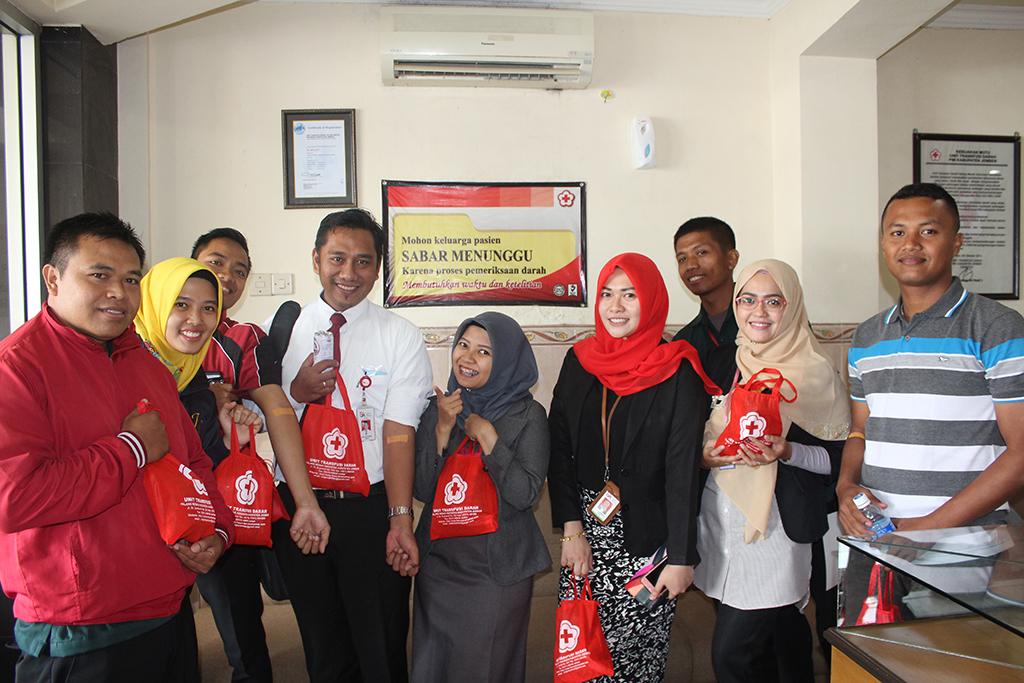 Donor Darah Insan OJK Jember di PMI Jember