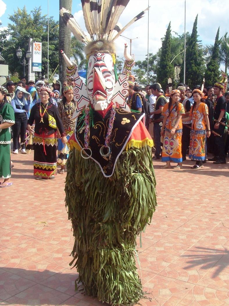 Tari Upacara Adalah : upacara, adalah, Mahakam, Festival, 2012:, Gerak, (Upacara, HUDOQ)