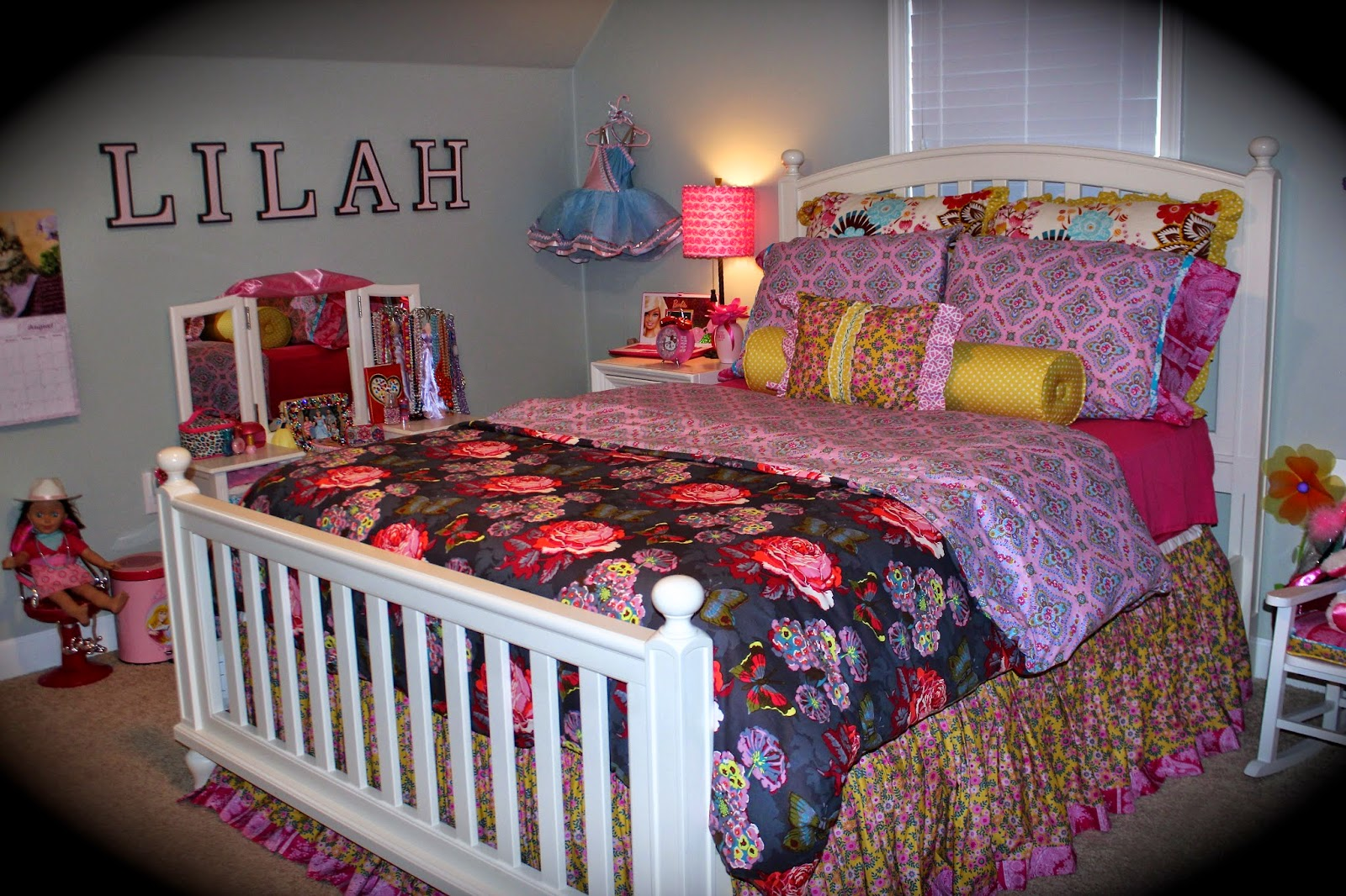 Bolling With 5 A Girly Girl Bedroom