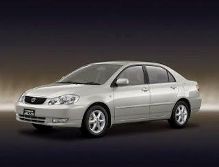 Perbedaan antara Toyota Altis Tipe J dan G