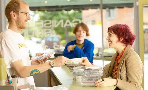 Pengertian Kepuasan Konsumen atau pelanggan
