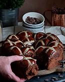 https://lachocolaterapia.blogspot.com.es/2018/03/hot-cross-buns-de-chocolate.html