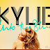 Kylie Minogue apresenta o clipe 'Into the Blue'