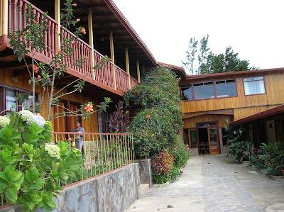 Hotel Camino Verde, Santa Elena, Monteverde, Costa Rica, vuelta al mundo, round the world, La vuelta al mundo de Asun y Ricardo, mundoporlibre.com