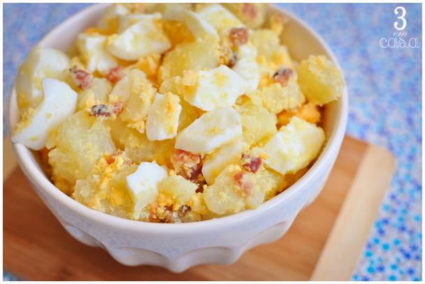 receita salada de ovos com bacon