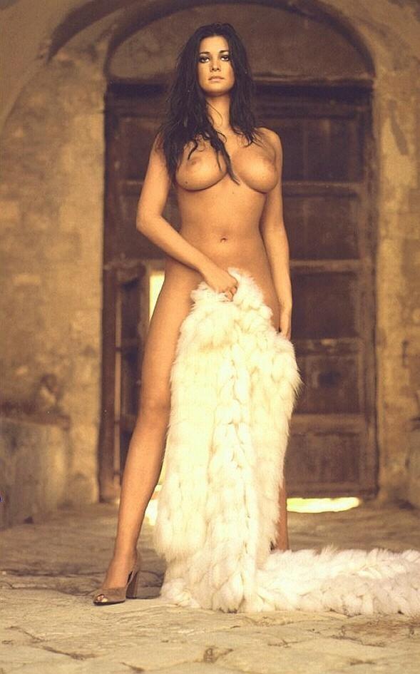 Nude dark vietnamese girl
