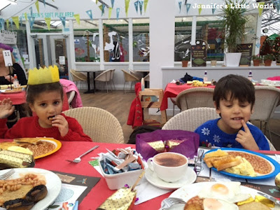 Breakfast with Father Christmas at Wyevale Garden Centre, Findon