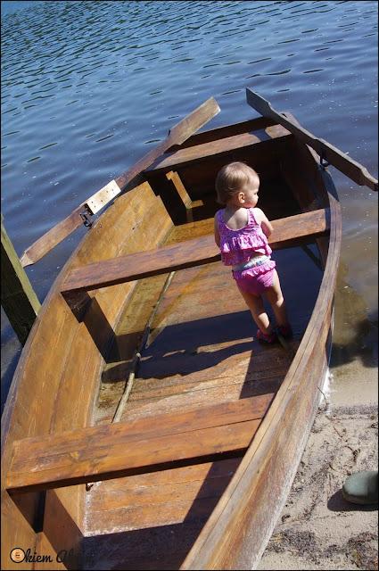Jezioro z dzieckiem