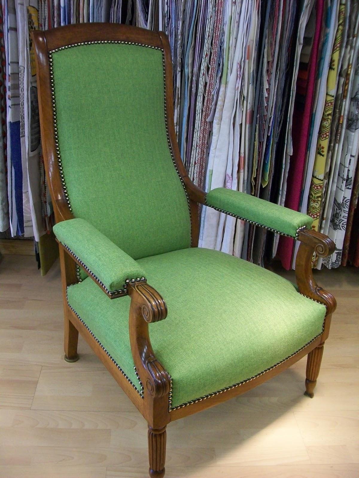 l 39 fauteuil voltaire dossier droit. Black Bedroom Furniture Sets. Home Design Ideas