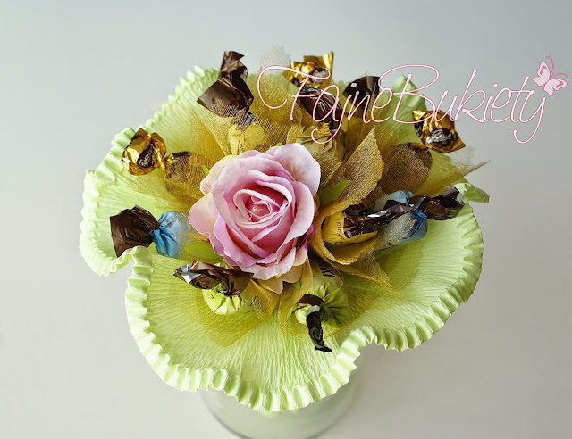 słodki bukiet z cukierków jak zrobić DIY instrukcja
