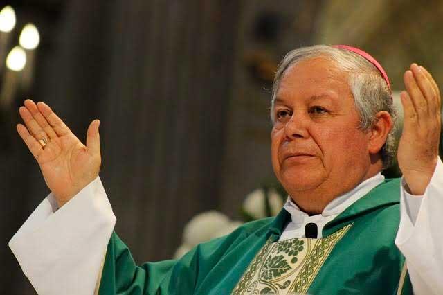 Arzobispo sufre infarto