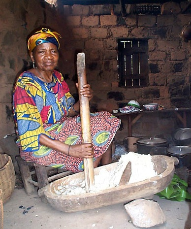 Making a pounded cocoyam fufu recipe in Central Africa