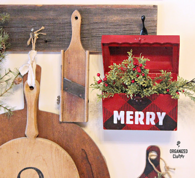 Thrift Shop Upcycled Wood Box #rusticChristmas #buffalocheck #oldsignstencils #rusticChristmas