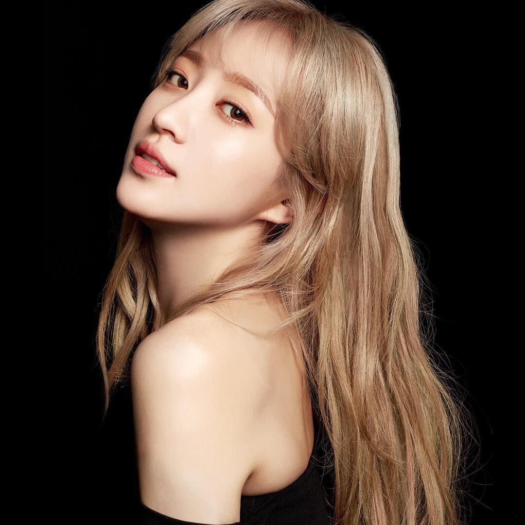 Exid Hani Models For Elle Korea Daily K Pop News