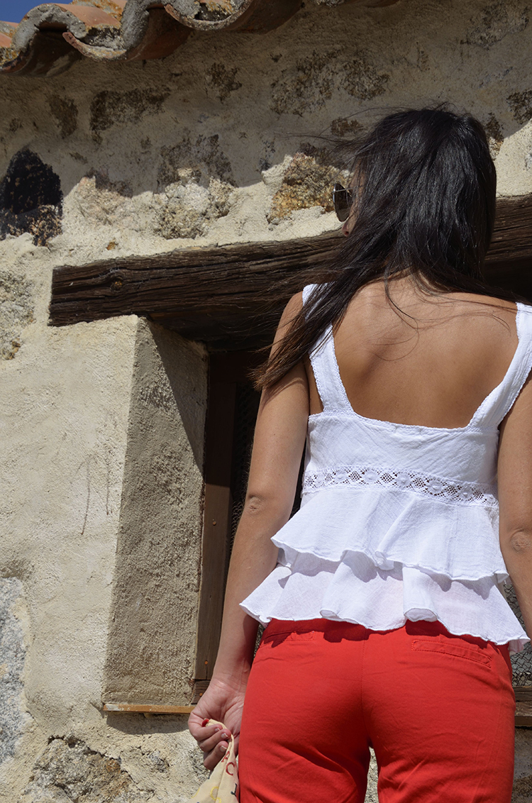 look_verano_outfit_summer_top_volantes_trends_gallery