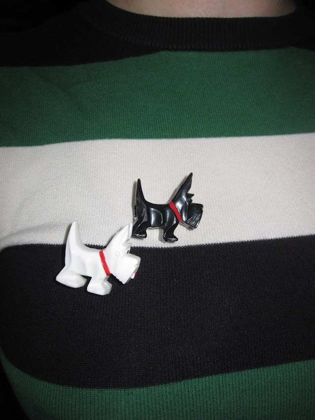 black white scottisch terrier broche chien scottish-terrier brooch pin vintage
