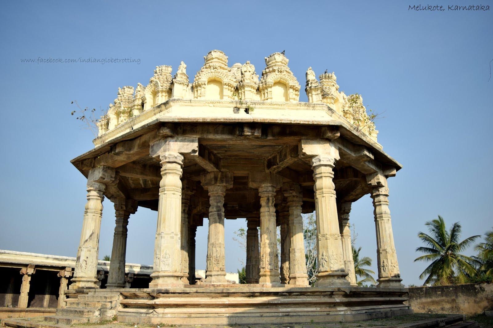 Mantapa near to Kalyani in Melukote