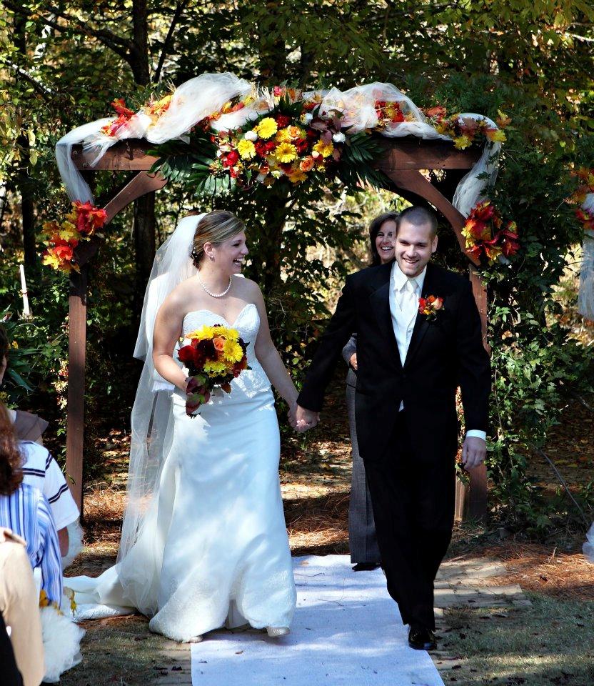 Vecoma At The Yellow River: Fall Wedding Decorations