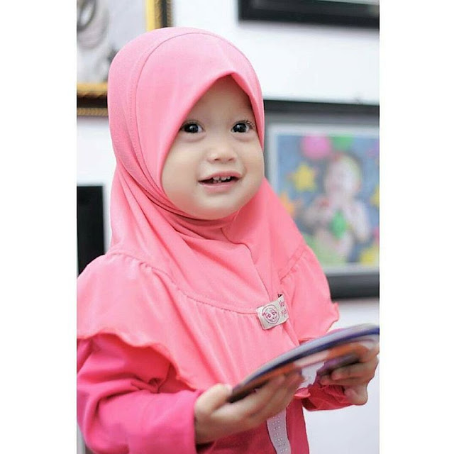 Islamic Parenting: Give Understanding the Child on the Veil